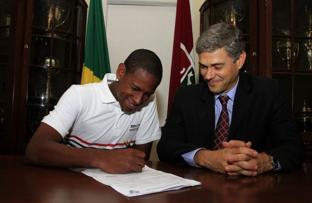 robert fluminense contrato (Foto: Nelson Perez/FluminenseF.C.)