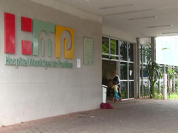 Aparelho para fazer exames de tomografia fica no Hospital Municipal de Paulínia (Foto: Erlin Schimidt/ EPTV)