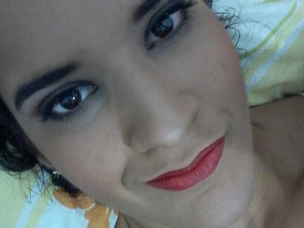 Raíra Sales ficou com o rosto bem mais fino e muito mais vaidosa (Foto: Raíra Sales/Arquivo)
