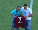 Após anunciar fim da carreira, Éverton Costa é homenageado em Caxias