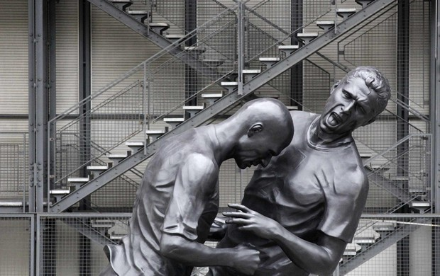 Estátua cabeçada zidane materazzi (Foto: Agência Reuters)