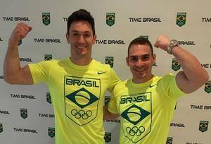 Arthur Zanetti e Diego Hypólito chegam à Vila Olímpica (Foto: Reprodução/Instagram)