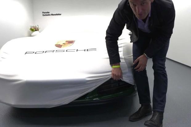 Mark Webber revela teaser de novo Porsche (Foto: Divulgação)