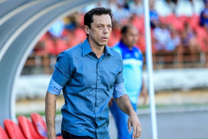 Fernando Tonet, técnico do Parnahyba (Foto: Ailton Cruz/Gazeta de Alagoas)