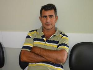 Valdemir está na lista de espera por um rim compátivel (Foto: Magda Oliveira/ G1)