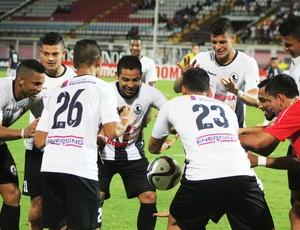 BLOG: E aí, Mister M! Venezuelano faz a bola levitar em comemoração de gol