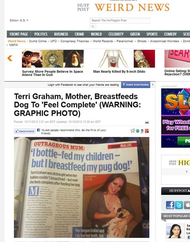 Mulher provocou polêmica ao amamentar cão de estimação. (Foto: Reprodução)