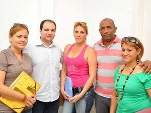 Yaumara Perez Garriga e outros médicos cubanos em São Vicente (Foto: Divulgação/Prefeitura de São Vicente)