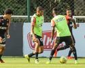 Urso liberado, Cazares, Rocha e Erazo no campo: Marcelo esboça o Galo