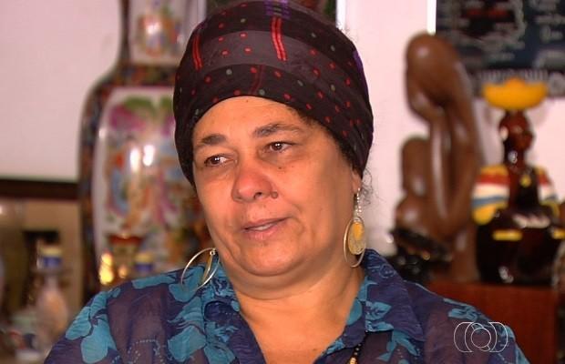 Mulher diz que marido foi preso no lugar de suspeito homônimo, em Goiás (Foto: Reprodução/TV Anhanguera)