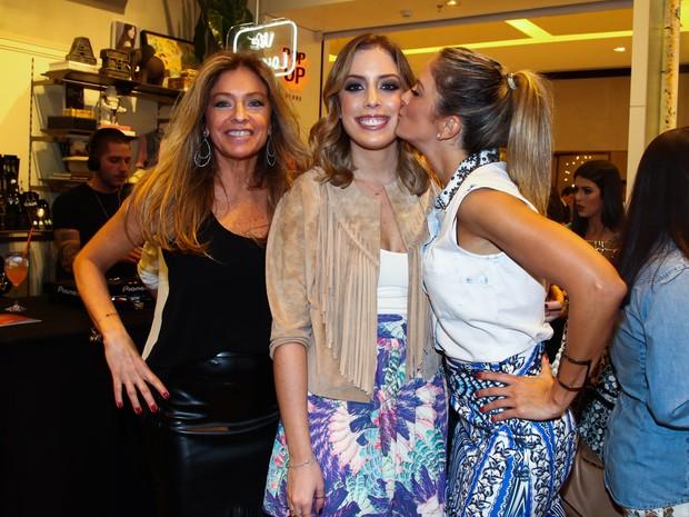 Sacha Chryzman, Fabiana Justus e Ticiane Pinheiro em evento em São Paulo (Foto: Manuela Scarpa/ Foto Rio News)