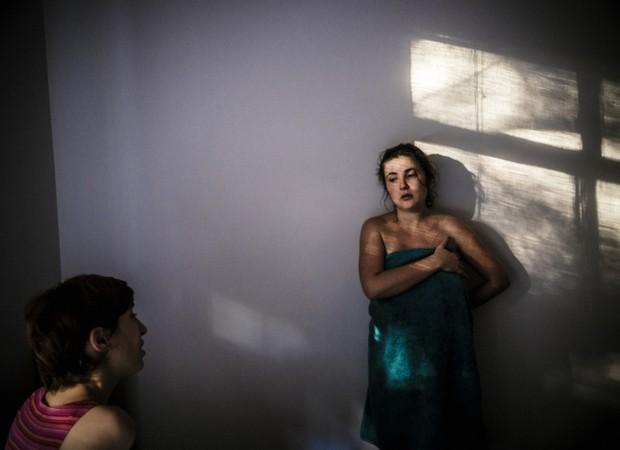 Priscila realizou parto domiciliar acompanhada da doula e obstetra (Foto: Gustavo Gomes)