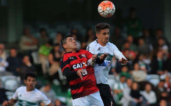 coritiba x vitória (Foto: Giuliano Gomes/PR Press)