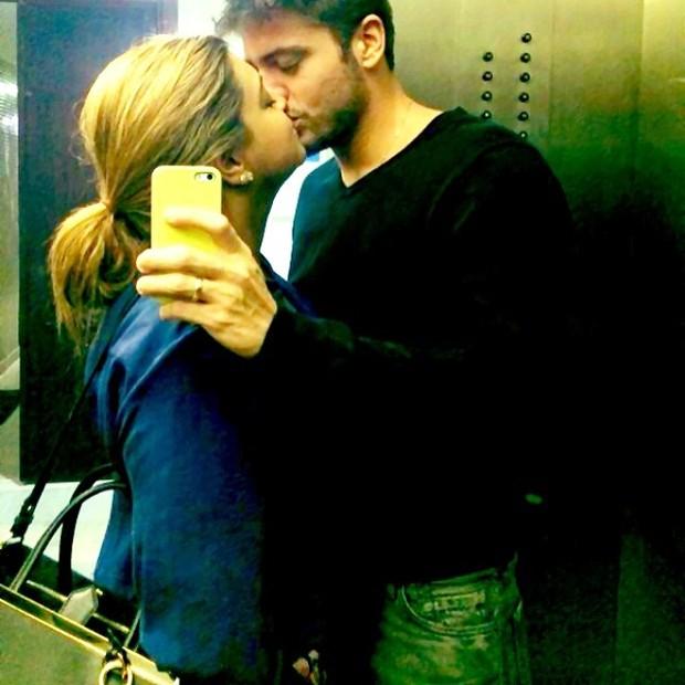 Preta Gil e o namorado, Rodrigo Godoy (Foto: Reprodução/Instagram)