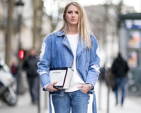 O look jeans com jeans é um queridinho da temporada (Foto: Imaxtree)