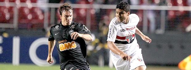 Casemiro do São Paulo na partida contra o Coritiba (Foto: Wander Roberto / Vipcomm)