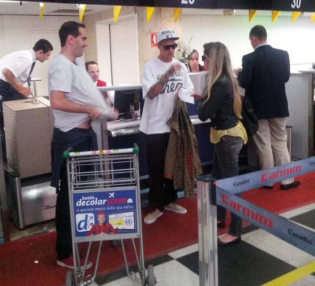Barbara Evans e Matheus (Foto: Orlando Oliveira/AgNews)