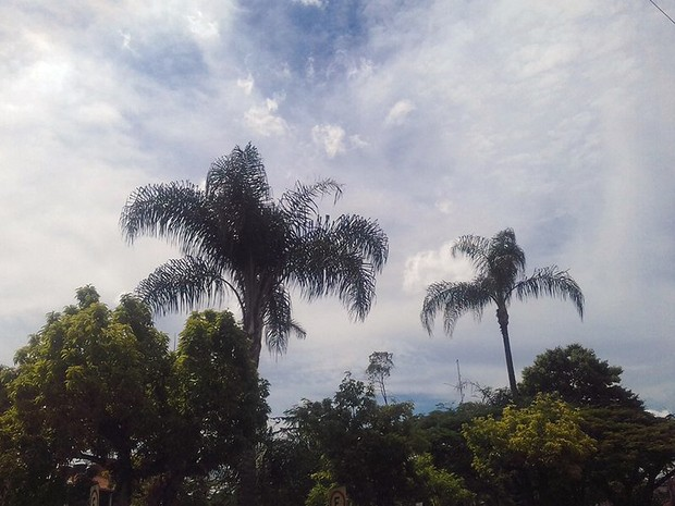 Previsão é de céu parcialmente nublado neste fim de semana na Zona da Mata e Vertentes (Foto: Nathália Leite/G1)
