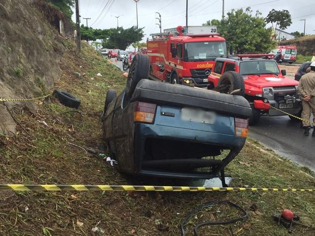 Acidente aconteceu no José Américo (Foto: Walter Paparazzo/G1)
