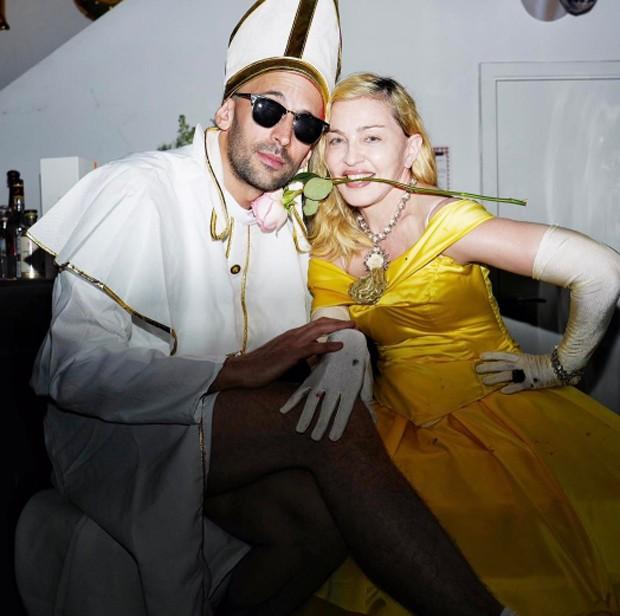 Madonna e amigo (Foto: Reprodução / Instagram)