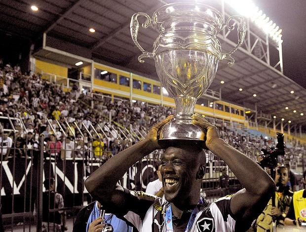 Seedorf Botafogo campeão carioca 2013 (Foto: Satiro Sodré / Agif)
