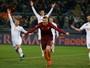 Artilheiro Dzeko volta a marcar, Roma sofre susto, mas vira sobre o Chievo