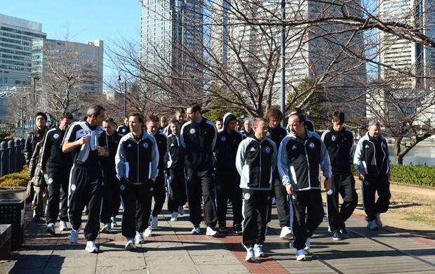 jogadores Chelsea Japão passeio (Foto: Reprodução / Facebook Oficial)