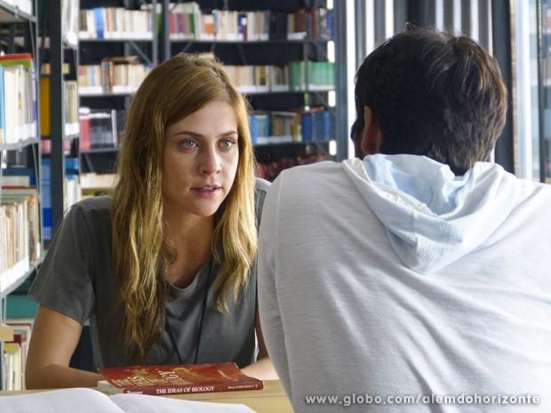 Paulinha afirma que seu único interesse com LC é aprendizado. Será mesmo?  (Foto: Além do Horizonte/TV Globo)