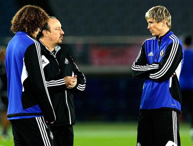 Rafael Benitez e Fernando Torres no treino do Chelsea (Foto: Reuters)