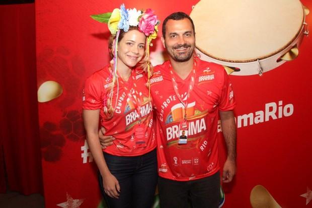Leandra Leal e o marido na Sapucaí (Foto:  Felipe Assumpção, Francisco Silva e Thiago Mattos / AgNews)