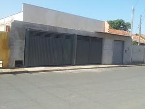 Igreja Peniel está pronta, mesmo após embargo de obras (Foto: Luiz Felipe Leite/G1)