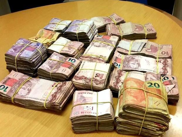 Dinheiro em espécie também foi apreendido pela PF (Foto: Divulgação/PF-MA)