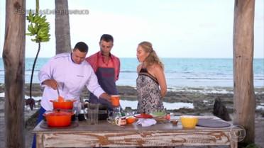 Anderson Di Rizzi e Angélica aprendem receita de camarão com molho de gorgonzola