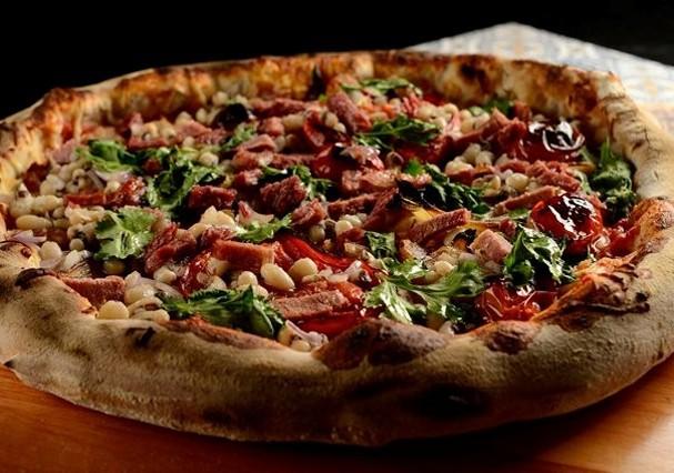 Erick Jacquin cria pizza de feijão (Foto: Reprodução)