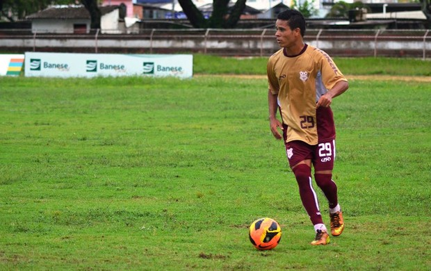 Júnior Santos convoca a torcida para os jogos em Itabaiana (Foto: Felipe Martins/GLOBOESPORTE.COM)