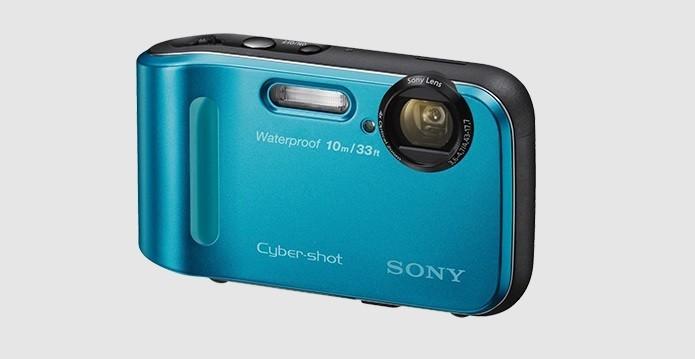 Câmera da Sony aguenta quedas e mergulho de até 10 metros (Foto: Divulgação/Sony)