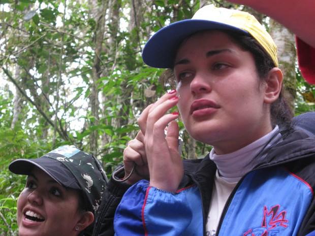 Garota chora durante o curso (Foto: Pâmela Kometani/G1)