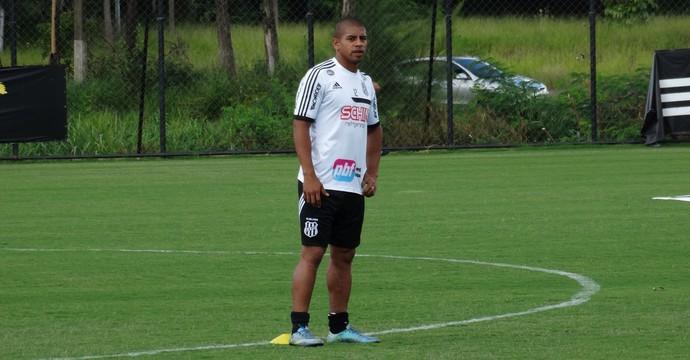 Taiberson, atacante Ponte Preta (Foto: Guilherme Dorigatti/ PontePress)