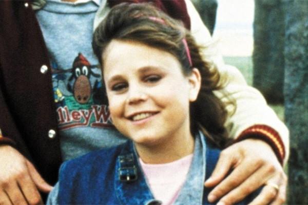 A Audrey de 'Férias Frustradas II' morreu em 1996, aos 32 anos. A atriz Dana Hill era diabética e entrou em um coma diabético, sofrendo um ataque cardíaco logo em seguida. (Foto: Divulgação)