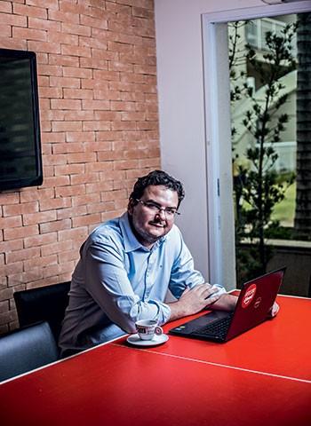 Em dois anos, o número de pedidos da iFood, comandada por Felipe Fioravante, cresceu 40 vezes (Foto: CAMILA FONTANA)