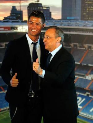 Cristiano Ronaldo e Florentino Perez (Foto: Reuters)