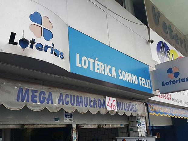 Lotérica de Brasília onde foi feita a aposta vencedora de R$ 47,3 milhões na Mega-Sena (Foto: Raquel Morais/G1)
