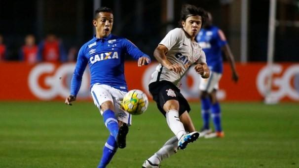 Cruzeiro e Corinthians disputam vaga nas semifinais da Copa do Brasil (Foto: Reprodução GE)