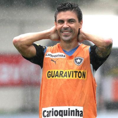Bolívar no treino do Botafogo (Foto: Vitor Silva / SS Press)