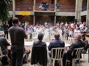 Assembleias ocorreram também durante quarta-feira (15) (Foto: Clodoaldo Volpato/ Apufsc)
