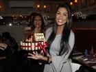 Ex-BBB Amanda comemora aniversário com Tamires