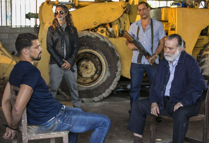 Será que Juliano vai aceitar entrar para a facção? (Foto: Raphael Dias / Gshow)