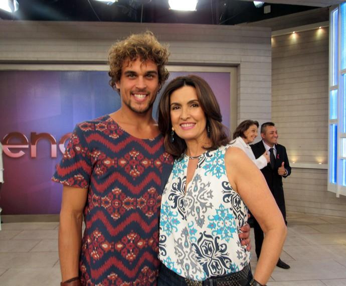 Ator Felipe Roque com a apresentadora (Foto: Viviane Figueiredo Neto/Gshow)