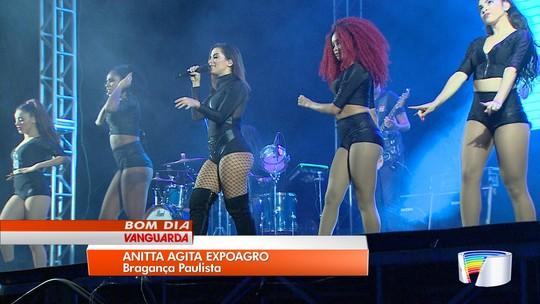 Show de Anitta reúne 30 mil pessoas na Expoagro em Bragança Paulista