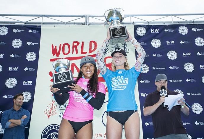 Pódio feminino: Macy Callaghan conquista o título e supera a havaiana Mahina Maeda, favorita ao título (Foto: ©WSL / Cestarii)